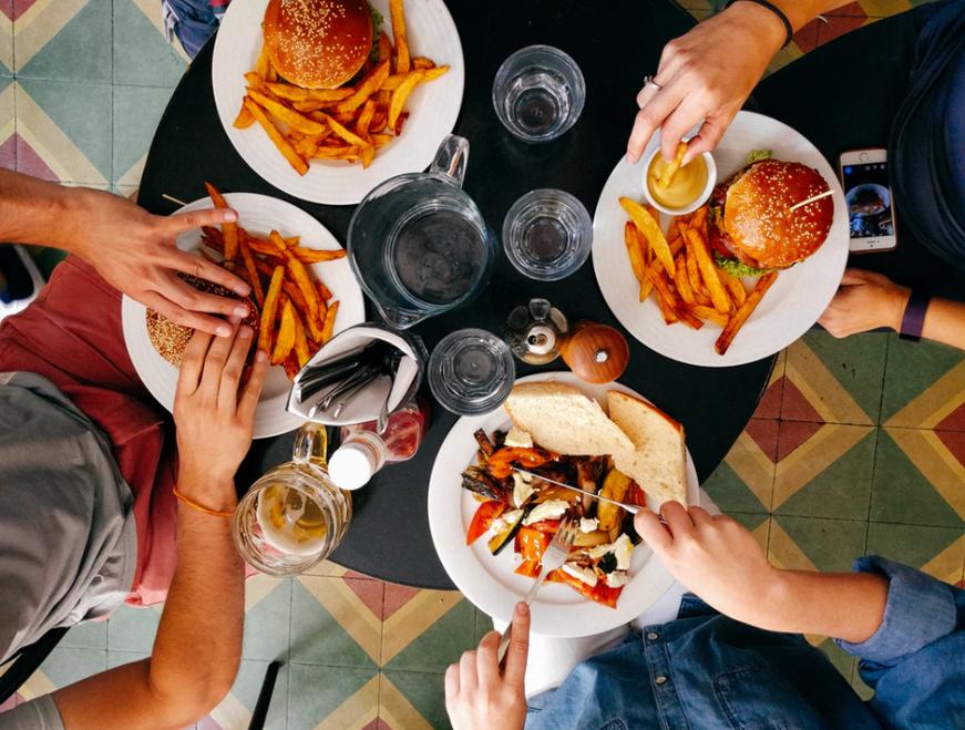 Nova pravila za iznajmljivače: Što donosi rekategorizacija i gube li iznajmljivači pravo pružanja usluge ručka i večere?